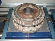 Комплект необходимых адаптеров под балансировку отдельных частей муфт сцепления поставляется вместе со стендом
